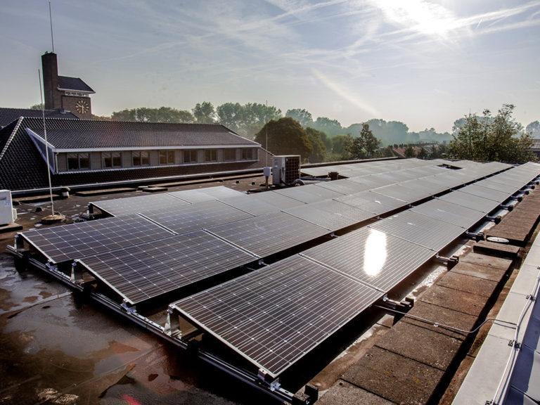 zonnepanelen-gemeentehuis-katwijk